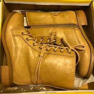 SODA Tan Faux Learher Combat Boots in Size 6.5